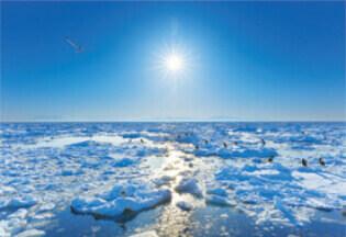3月 羅臼町(北海道) 輝く太陽 2022年カレンダーの画像