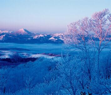 11-12月 摩周湖より雄阿寒岳(北海道) 日本の詩情(フィルムカレンダー・小) 2022年カレンダーの画像