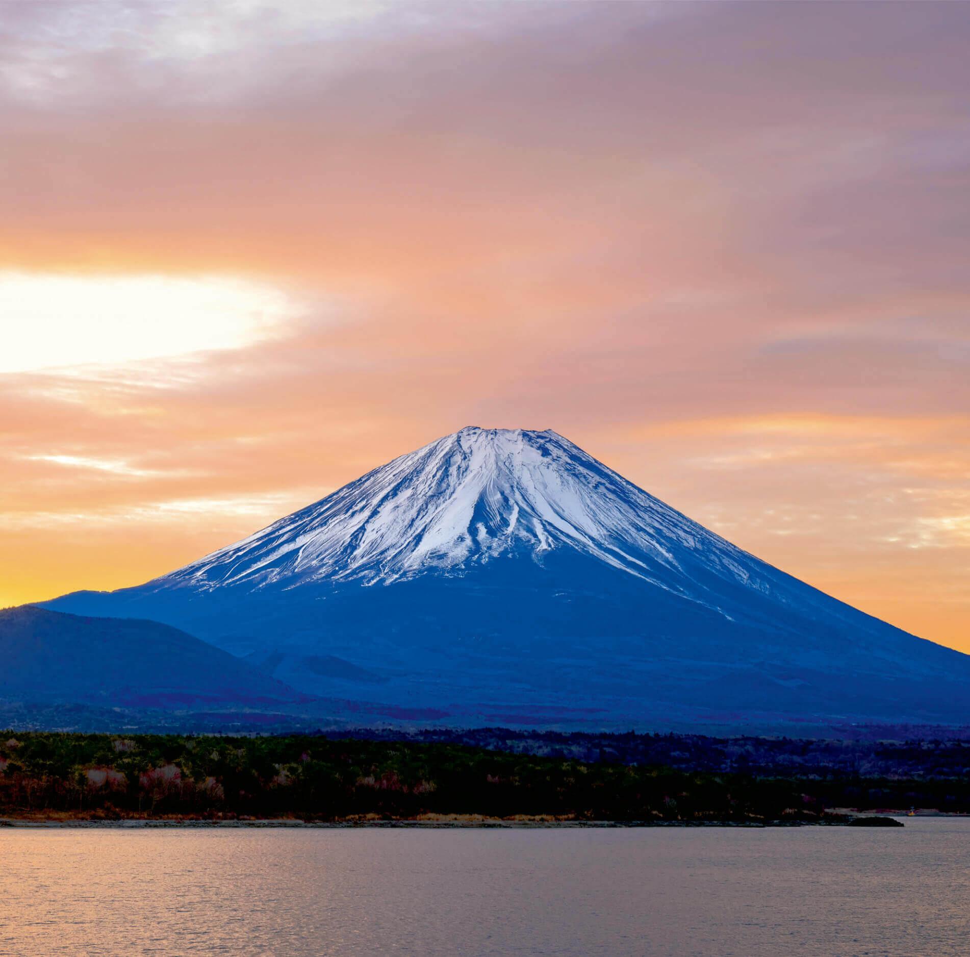 1-2月 本栖湖と富士山(山梨) 富士山(フィルムカレンダー) 2022年カレンダーの画像