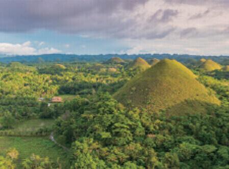 3月 チョコレートヒルズ フィリピン スカイジャーニー 2022年カレンダーの画像