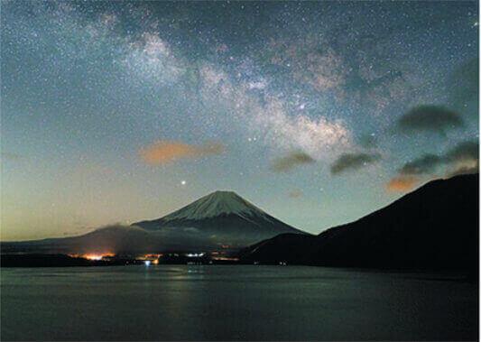 3月 本栖湖より天の川と富士山(山梨) 富士十二景 2022年カレンダーの画像