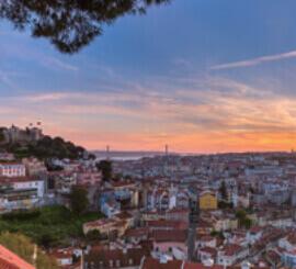 2月 リスボン ポルトガル ファンタジーワールド(A) 2022年カレンダーの画像