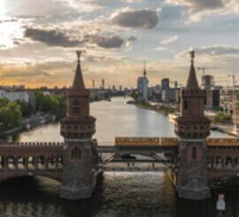 5月 ベルリン ドイツ ファンタジーワールド(A) 2022年カレンダーの画像